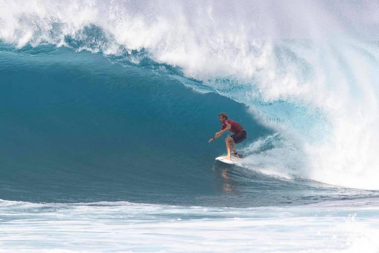 Surfe recorre a 'bolha' na Austrália para salvar temporada