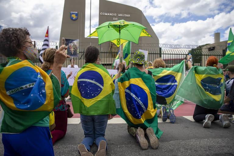 Em São Paulo, Marcha da Família Cristã reúne apoiadores de Bolsonaro e defende intervenção militar