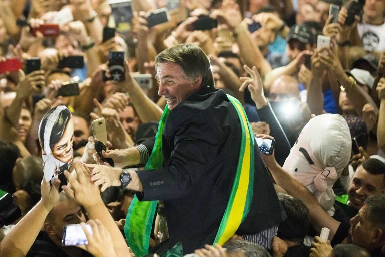 Avanço de fake news no Facebook começou com queda de Dilma e teve ápice sob Bolsonaro, diz estudo