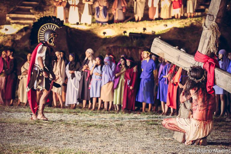 Maior encenação da Paixão de Cristo em SP deixa de ocorrer ao público presencialmente por causa da Covid-19