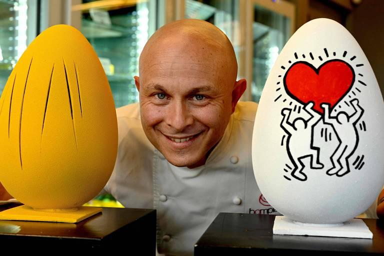 Walter Musco faz homenagem ao artista argentino-italiano Lucio Fontana (à esq.) e  ao norte-americano Keith Haring