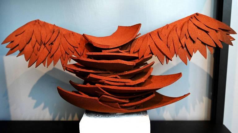 Ovo de chocolate esculpido em homenagem ao artista alemão Anselm Kiefer