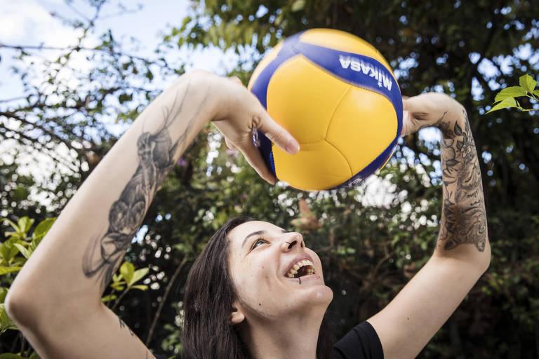 Juliana Mello, jogadora de vôlei recuperada de tumor na cabeça