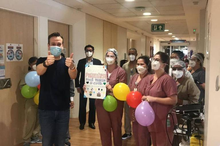 Celso Zucatelli deixa o hospital