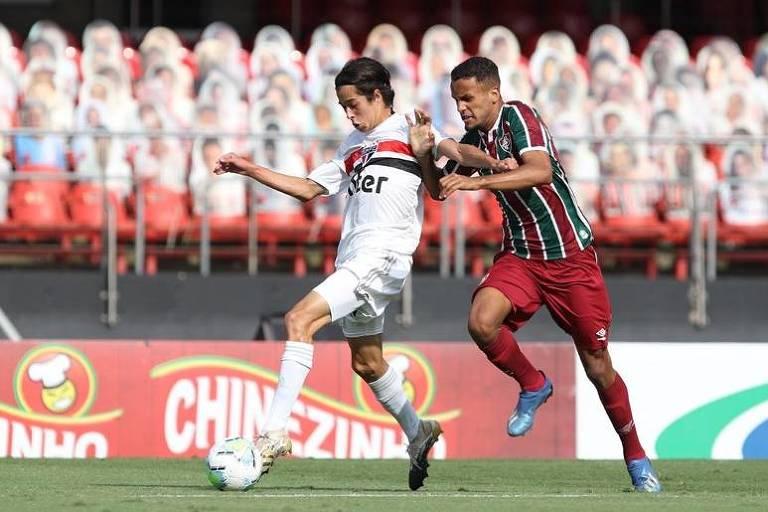 São Paulo e Fluminense na semifinal do Brasileiro sub-17 de 2020, que terminou com títulos dos cariocas. Torneio teve interrupção