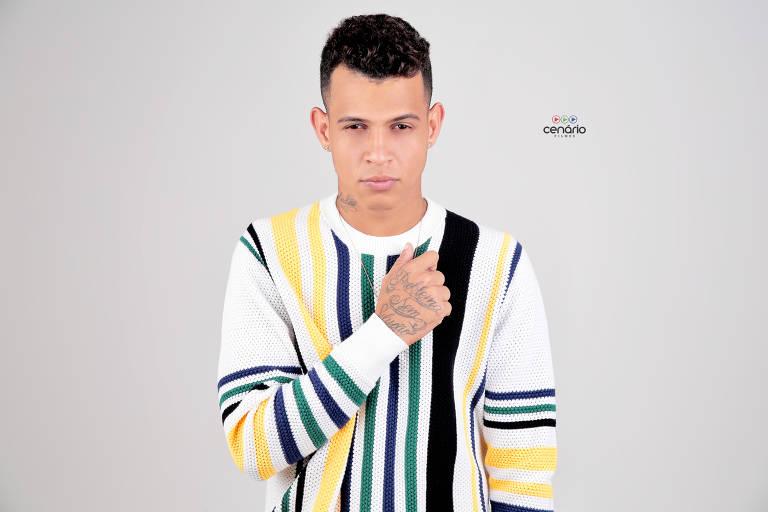 Imagens do cantor Dadá Boladão