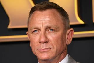 FILE PHOTO: Daniel Craig attends the premiere of