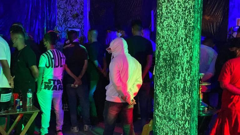 São Paulo, 4 de abril de 2021. A Polícia Civil interrompeu uma festa clandestina com cerca de 130 pessoas na região do Grajaú, zona sul de São Paulo, por volta das 2h da madrugada deste domingo (4). Foto: Divulgação SSP/SP