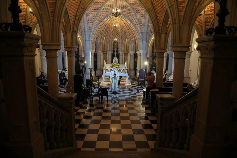 Igrejas em SP celebram Páscoa após decisão do ministro do STF Kassio Nunes