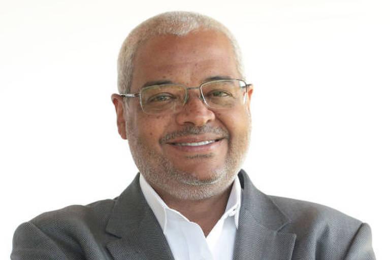 Deives Rezende Filho - Fundador da Condurú Consultoria, é especialista em temas de governança ética, ética empresarial, conflitos no ambiente de trabalho, protagonismo do negro e inclusão racial