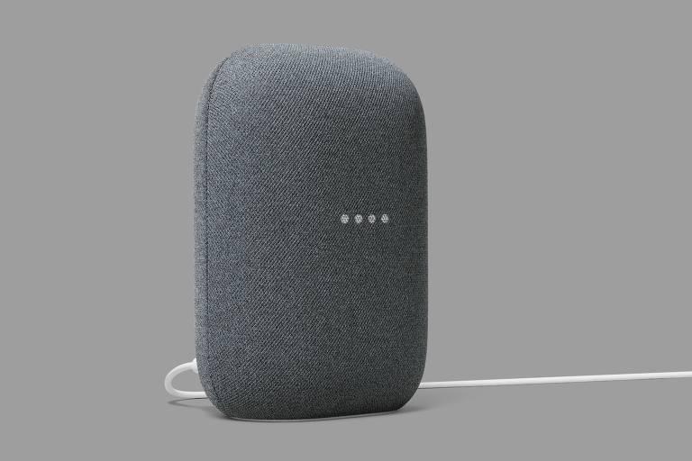Caixa de som inteligente Nest Audio, do Google, que mede 17,5cm de altura