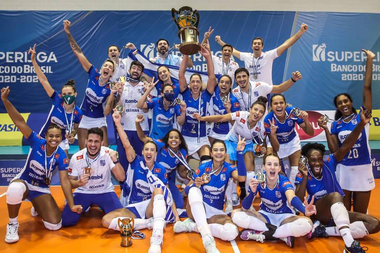 Itambé/Minas comemora o título da Superliga feminina de vôlei, temporada 2020/21