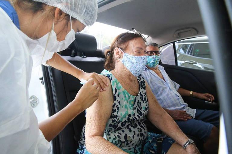 Entenda por que o ritmo de vacinação contra a Covid é diferente nas capitais brasileiras
