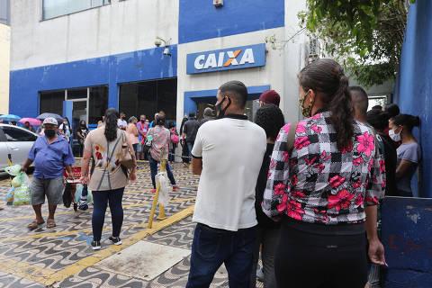 Mourão diz que governo deveria ter entendido que Covid-19 não acabaria em 2020 e mantido auxílio emergencial