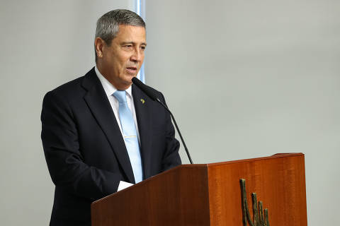 Comissão da Câmara convoca Braga Netto para explicar suposta ameaça às eleições