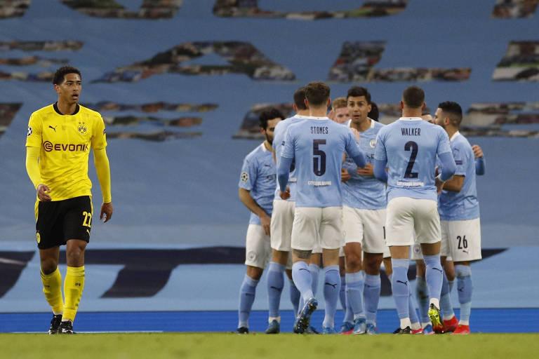 Jogadores do Manchester City comemoram o gol de Kevin De Bruyne diante do Dortmund