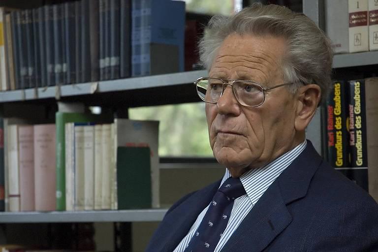Morre teólogo Hans Küng, um dos principais críticos da Igreja Católica