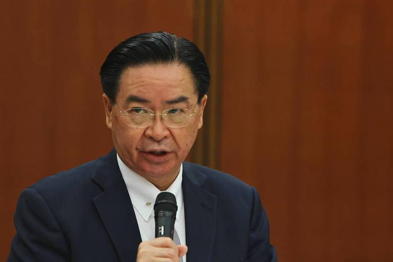 Taiwan volta a acusar China de usar 'diplomacia da vacina' para atrair Paraguai
