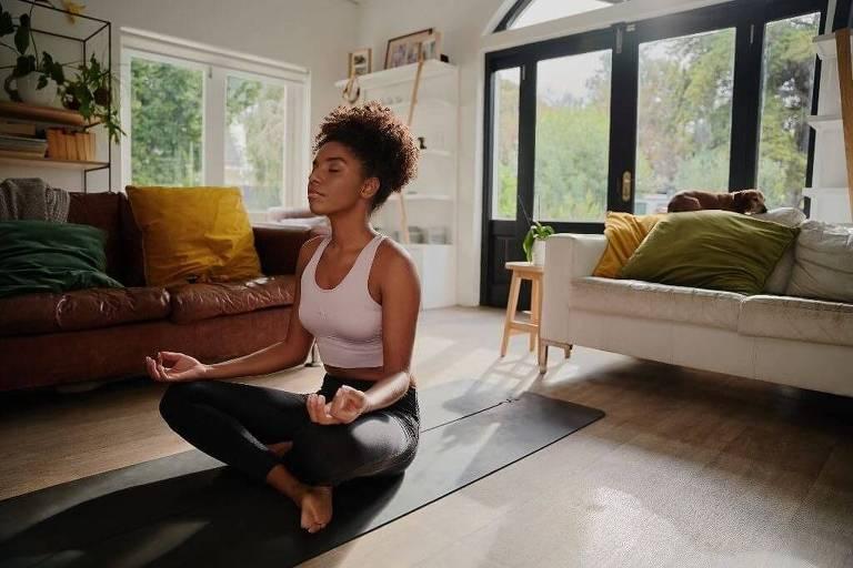 Como cada praticante está em casa, todos estarão focados no instrutor de ioga