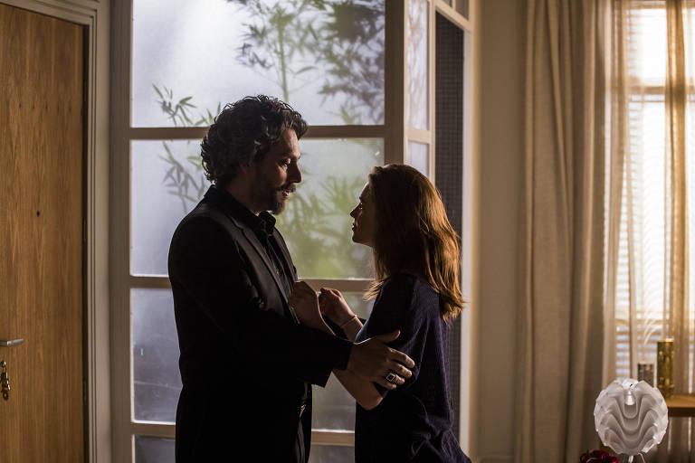 José Alfredo (Alexandre Nero) e Maria Isis (Marina Ruy Barbosa)