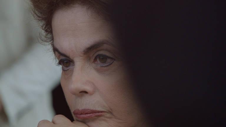 'Alvorada', documentário de Anna Muylaert e Lô Politi, acompanha cotidiano do 'bunker da resistência' de Dilma