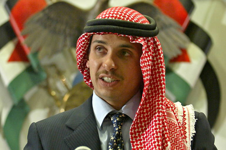 O ex-herdeiro da Jordânia Hamza bin Hussein durante evento em Amã