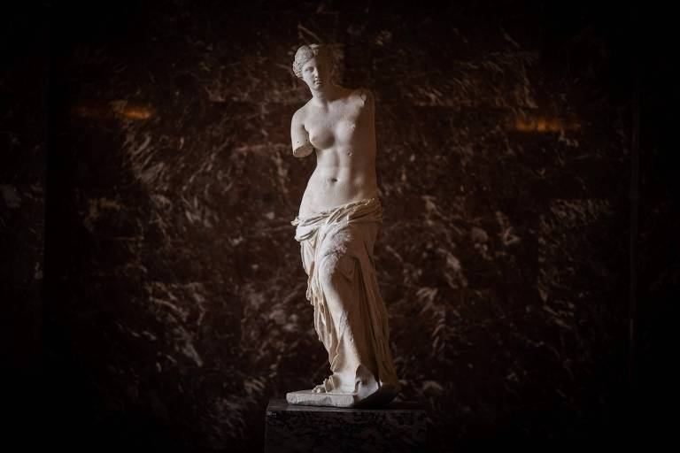 'Vênus de Milo' tem vida de celebridade depois de anos debaixo da terra
