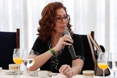 BRASILIA, DF, 30-9-2020 -  O presidente Jair Bolsonaro participa de café da manhã com Líder do Governo na Câmara dos Deputados o Deputado Ricardo Barros (PP/PR) e Parlamentares e a A deputada Carla Zambelli (PSL-SP). Foto: Alan Santos/PR