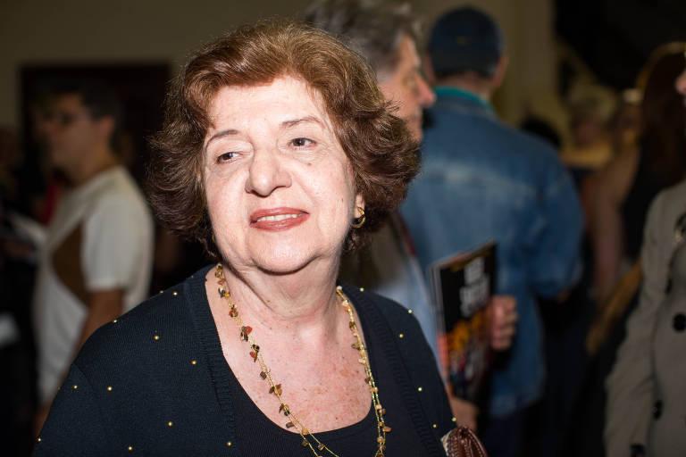 Walderez de Barros rejeita teatro online e diz que essa é uma arte presencial