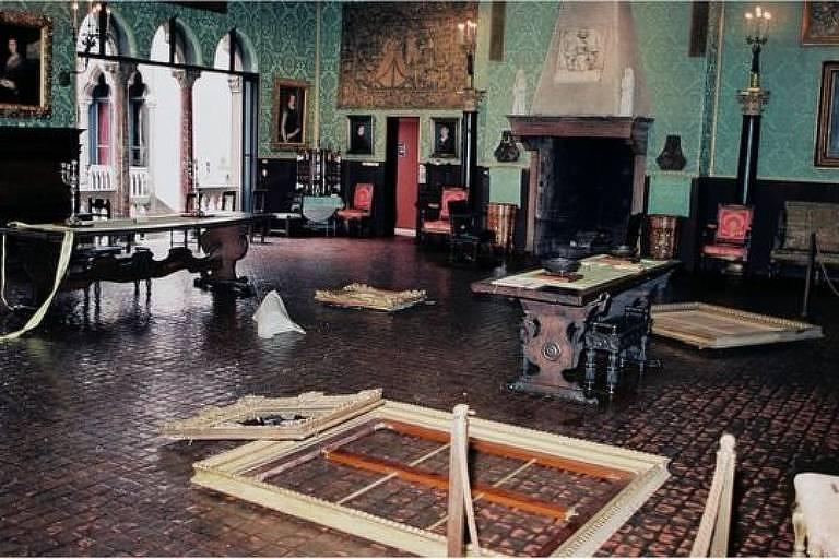 O valor total das obras roubadas, que incluem pinturas, gravuras e artefatos históricos, é avaliado em mais de meio bilhão de dólares