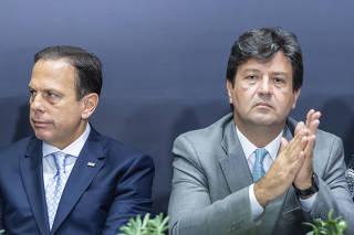 João Doria e Luiz Henrique Mandetta durante reunião