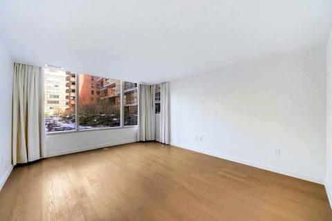 Kamala Harris vende apartamento em Washington D.C