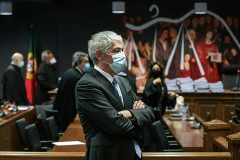 Former Portugal?s Prime Minister Jose Socrates looks on before the instructional decision session, as he attends a court hearing to rule if he will stand trial over corruption charges, in Lisbon, Portugal, April 9, 2021. Mario Cruz/Pool via REUTERS ORG XMIT: GDN
