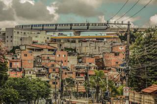 Fura-fila no bairro de Sapopemba, em São Paulo