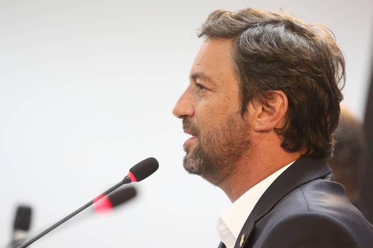 Duilio Monteiro Alves, presidente do Corinthians, durante entrevista no CT do Parque Ecológico