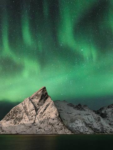 Aurora boreal registrada no arquipélago Lofoten, na Noruega