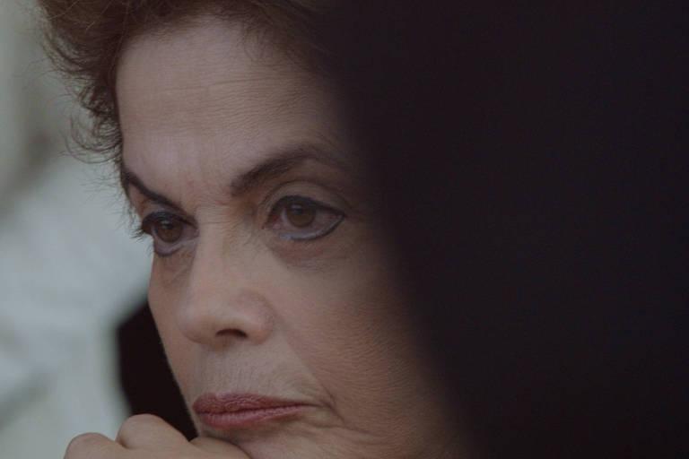 Dilma insiste em fala de golpe diante do vazio de poder em 'Alvorada'