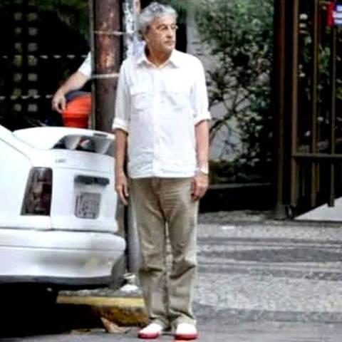 Caetano estaciona no Leblon ***  **** ORG XMIT: AGEN1603101703544411
