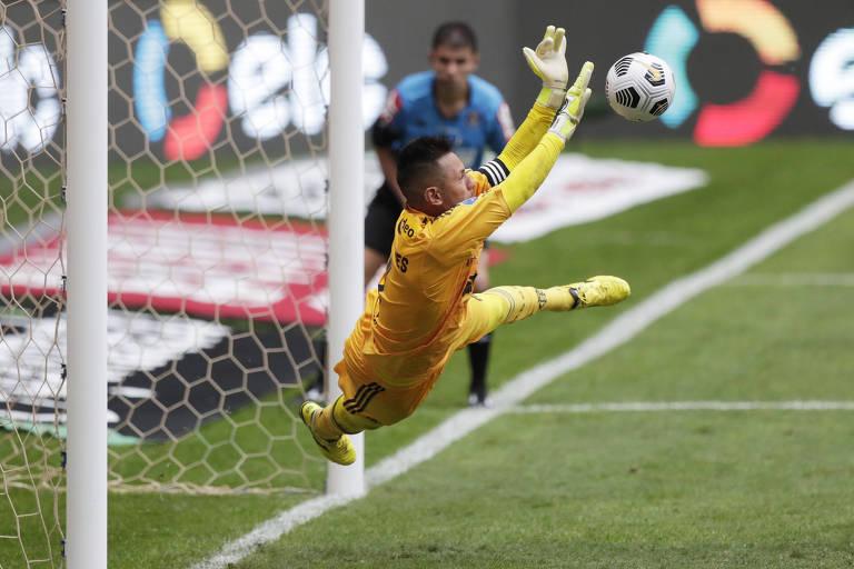 Flamengo bate Palmeiras e conquista Supercopa do Brasil