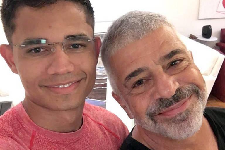 Lulu Santos e Clebson trocam declarações ao celebrarem três anos de união