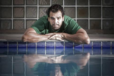 SÃO PAULO - SP - BRASIL - 09.04.2021 - 13h00: ATLETA PARAOLÍMPICO. Retrato do nadador paraolímpico André Brasil, atleta que luta contra o Comitê Paraolímpico Internacional para voltar a competir. Ele não participa de nenhuma competição desde 2019.   (Foto: Adriano Vizoni/Folhapress, ESPORTES) *** EXCLUSIVO FSP ***