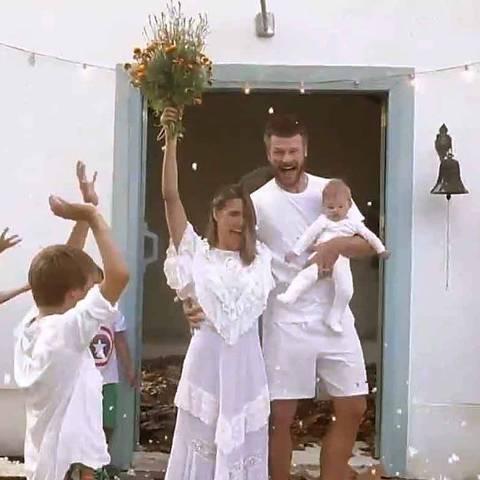Rodrigo Hilbert e Fernanda Lima se casaram na pandemia em capela construída por eleRodrigo Hilbert e Fernanda Lima se casaram na pandemia em capela construída por ele