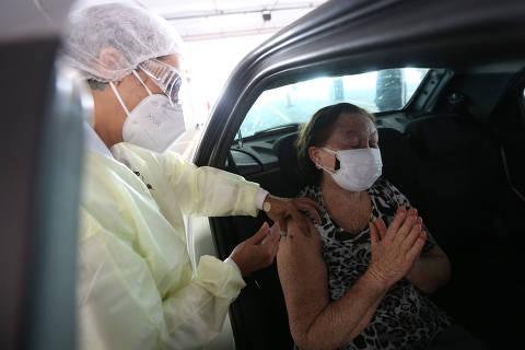 São Paulo prevê vacinar pessoas com mais de 60 anos até o fim de abril