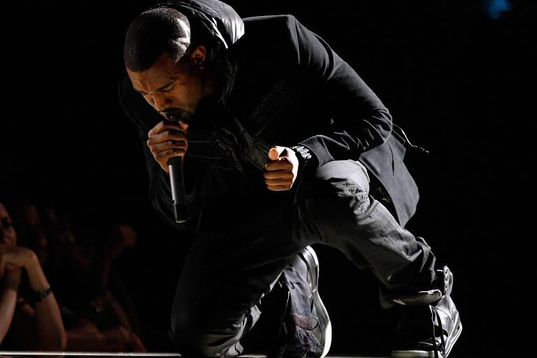 Tênis de Kanye West vai a leilão e pode chegar a R$ 5,6 milhões, diz Sotheby's