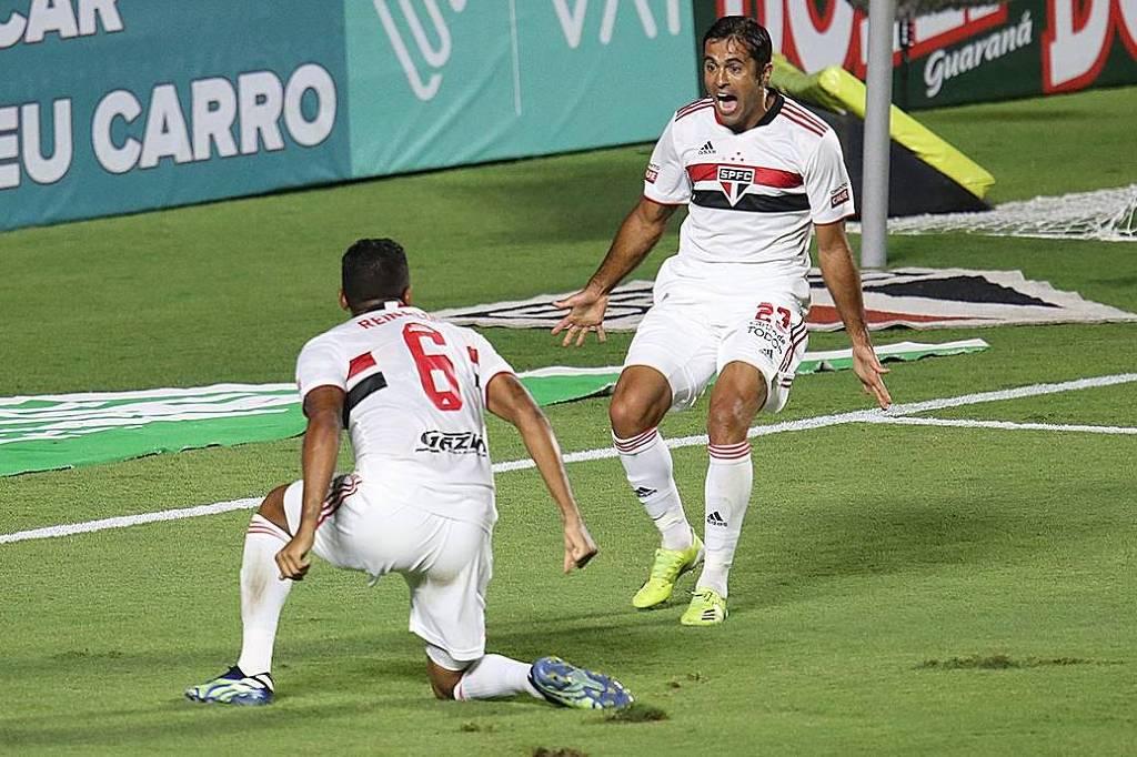 São Paulo vence Bragantino e ganha moral para maratona no Paulista