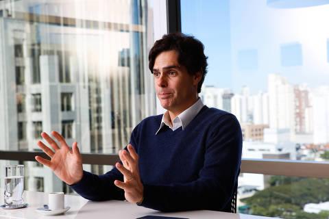 SÃO PAULO, SP, 07.08.2018 - Guilherme Benchimol, fundador e presidente da XP, em entrevista, na sede da empresa, em São Paulo; no dia em que BC (Banco Central) aprovou, com restrição, a compra de participação de 49,9% pelo Itaú. (Foto: Joel Silva/Folhapress)