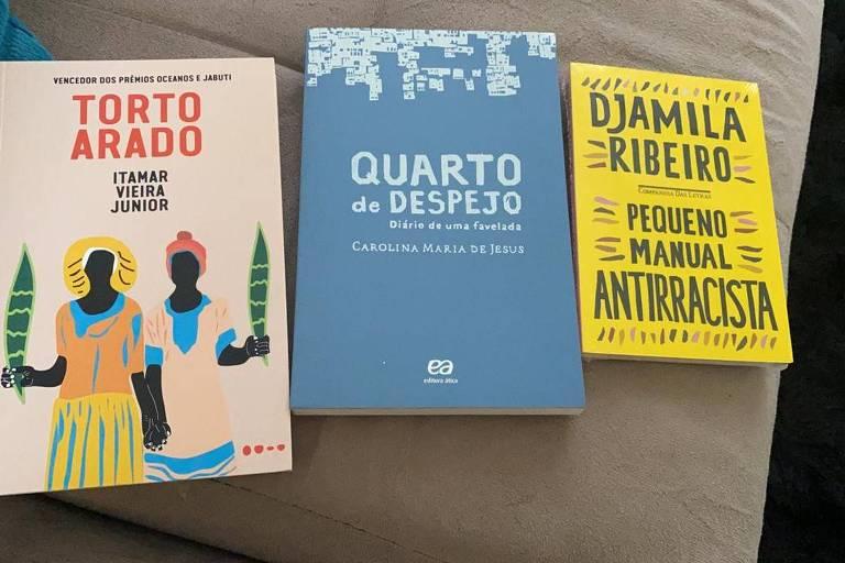 Fátima Bernardes manda livros para ex-BBB Rodolffo