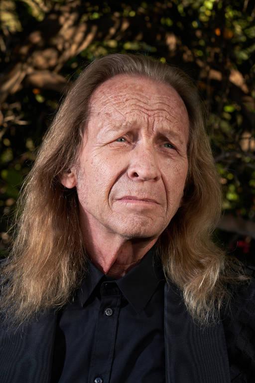 """O ator Paul Raci em Los Angeles. """"Ser ator por todos esses anos - 40 anos apenas batendo por aí - e ter esse tipo de aclamação, é uma loucura, cara"""", disse Raci, que apenas recebeu sua primeira indicação ao Oscar por sua atuação em """"Sound of Metal"""", aos 72 anos"""