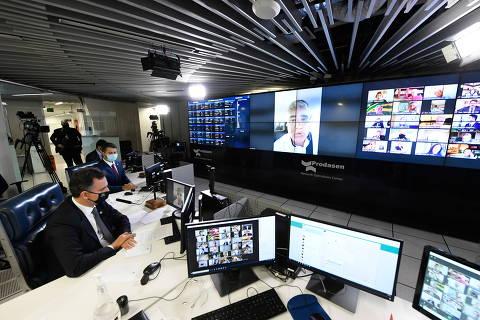Cúpula da CPI da Covid quer investigação inicial nas quedas de Mandetta e Teich