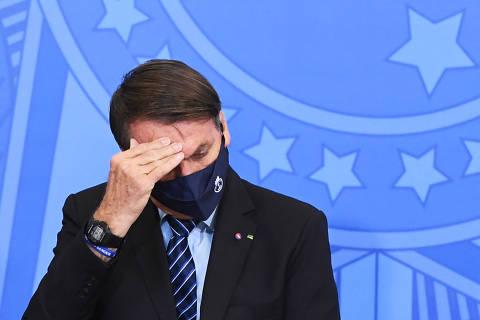 Datafolha: Aprovação a Bolsonaro recua seis pontos e chega a 24%, a pior marca do mandato; rejeição é de 45%